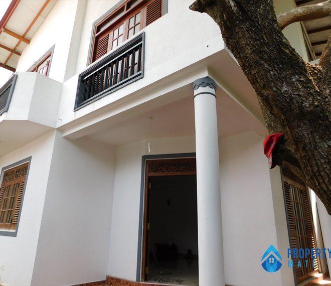 Two Storey House for rent in Panadura Hirana propertymate.lk