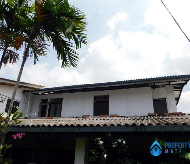 Upstairs for rent in Battaramulla Pelawatta 1
