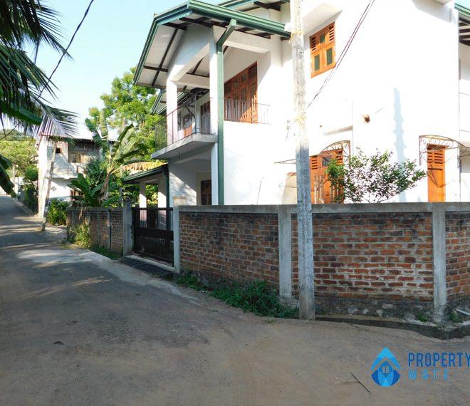 Square Land for sale in Kottawa 2