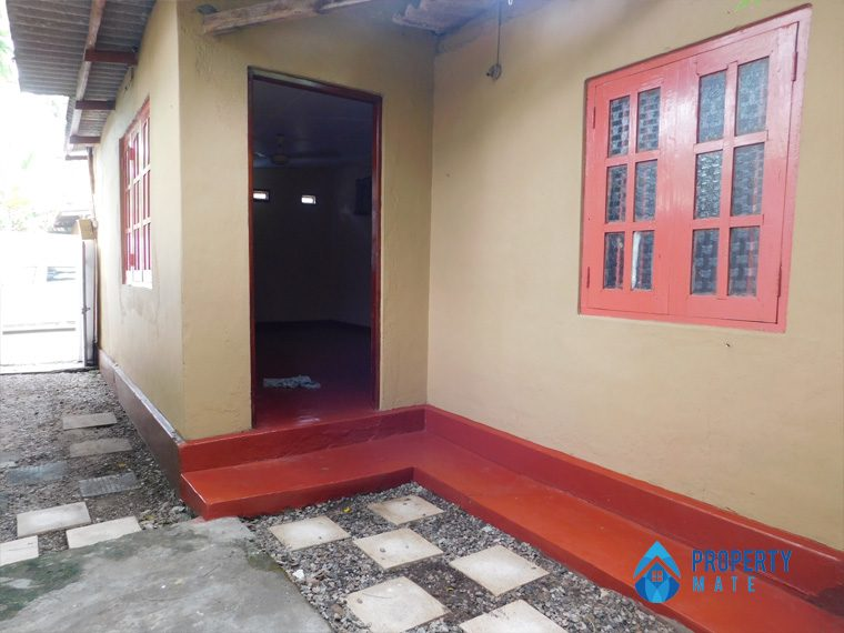 Annex for rent in Rathmala Station road