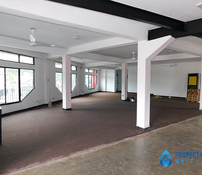 Commercial place for rent in Kadawatha facing main road 2