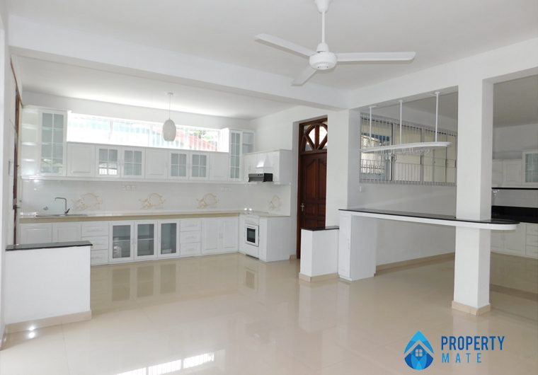 Four storey luxury houses for sale in Colombo 5