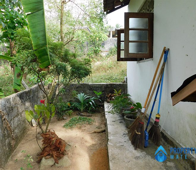 Half Build House for Sale in Gelanigama 1