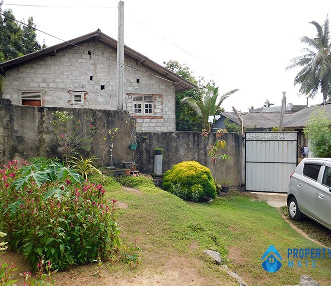 Half Build House for Sale in Gelanigama 4
