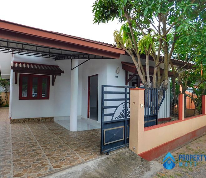 House for sale in Ja-Ela 1