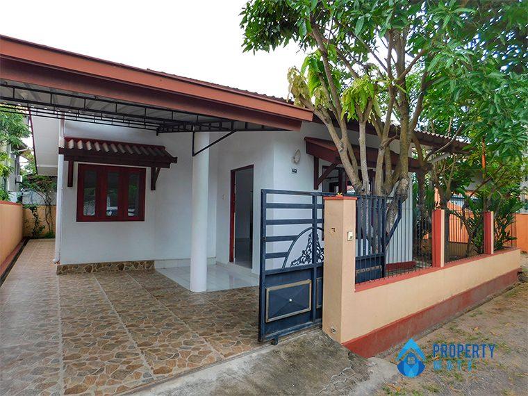 House for sale in Ja-Ela 1