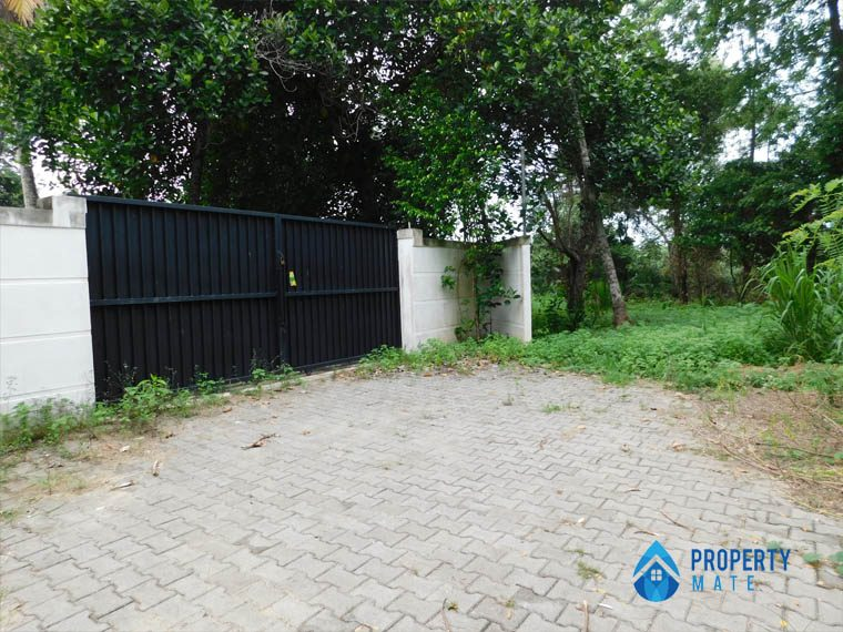 Land for Sale in Gothatuwa close to New town 2