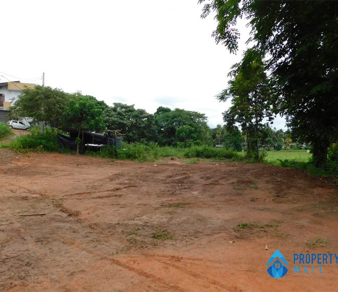 Land for sale in Athurugiriya Galwarusawa road facing paddy field 1