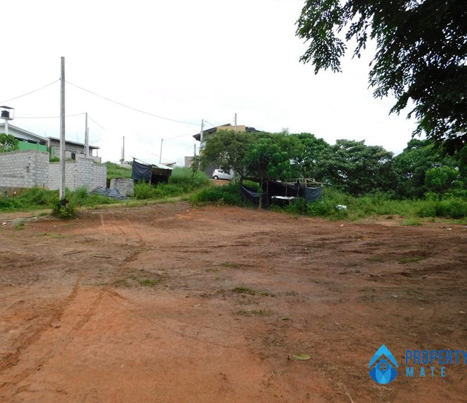 Land for sale in Athurugiriya Galwarusawa road facing paddy field 2