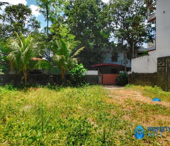 Land for sale in Madiwela close Pitakotte Thalawathugoda main road 2