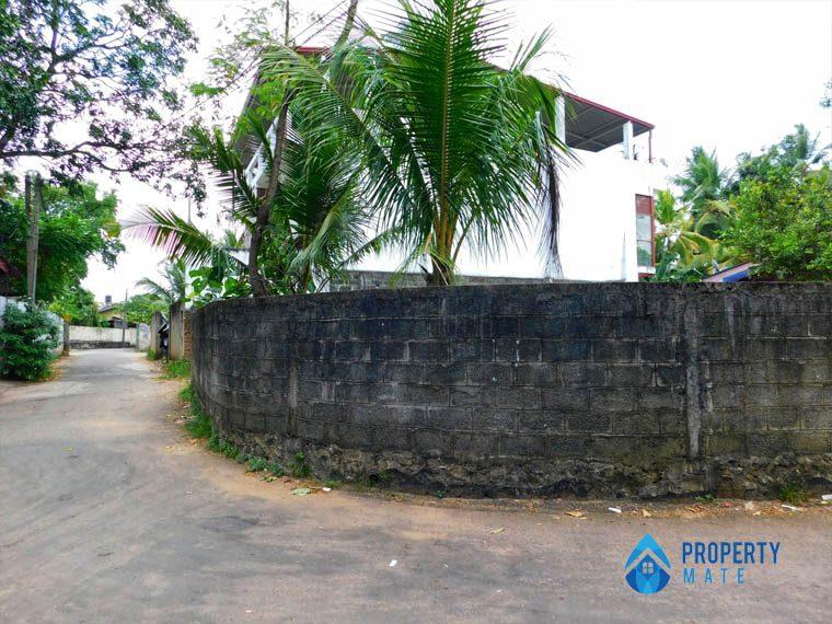 Land for sale in Madiwela close Pitakotte Thalawathugoda main road 4