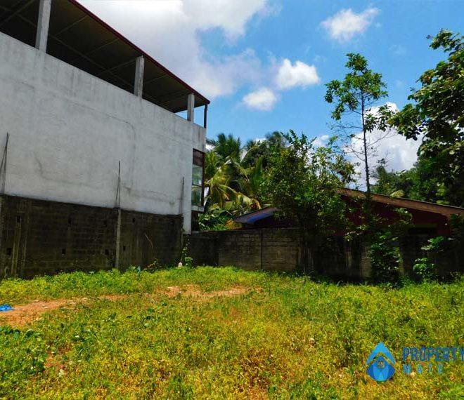Land for sale in Madiwela close Pitakotte Thalawathugoda main road