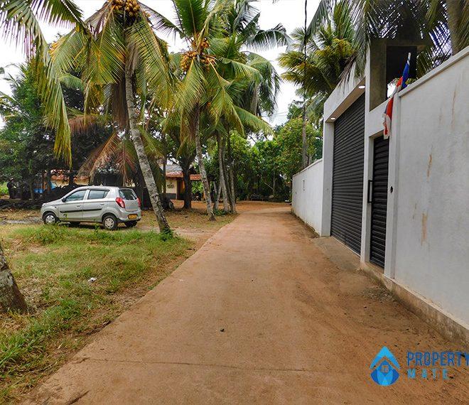 Land for sale in Mahara Kadawatha 3