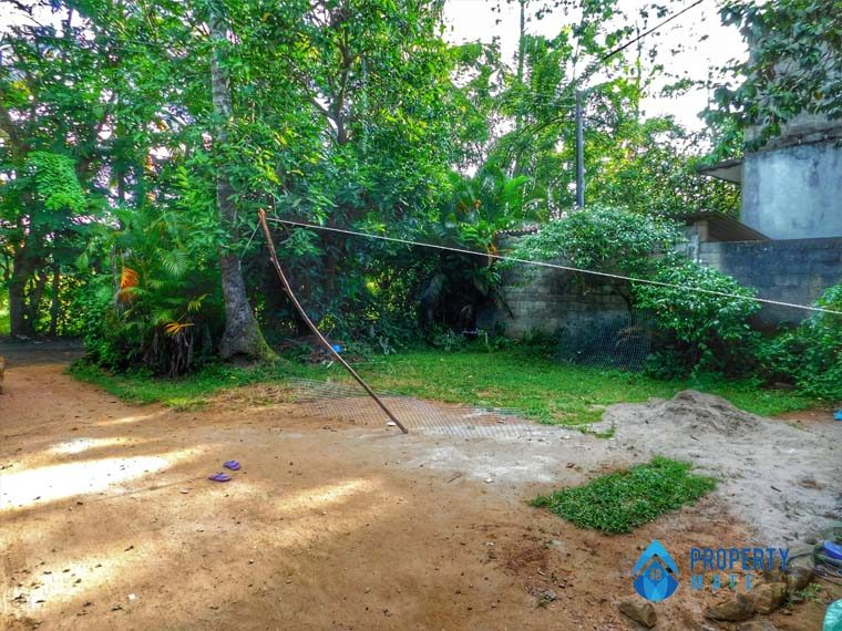 Land for sale in Malabe close to Chandrika Kumarathunga Mawatha 1