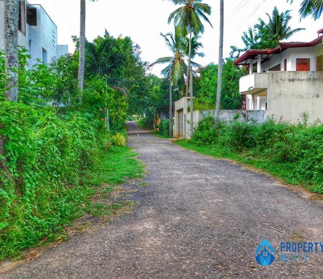 Land for sale in Malabe close to Chandrika Kumarathunga Mawatha 2