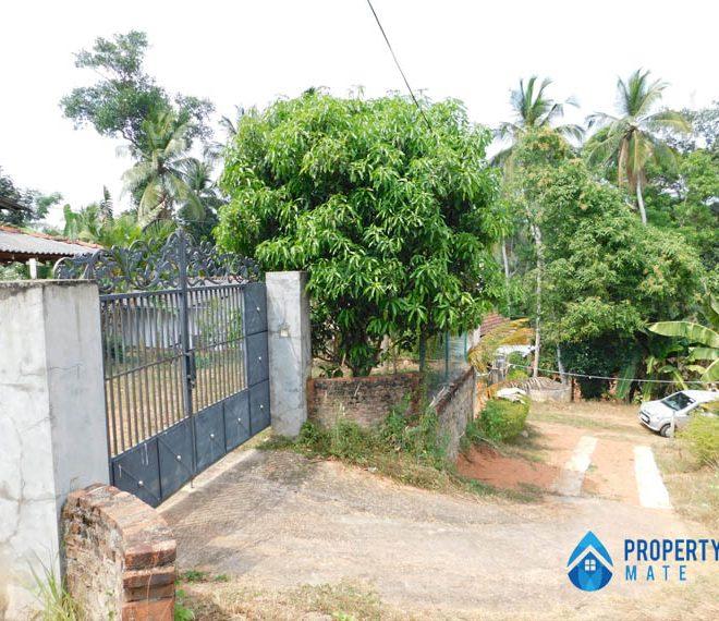 Land for sale in Udugampola Gampaha 01