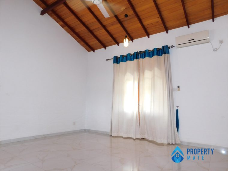 Luxury Penthouse for rent in Kotte 03