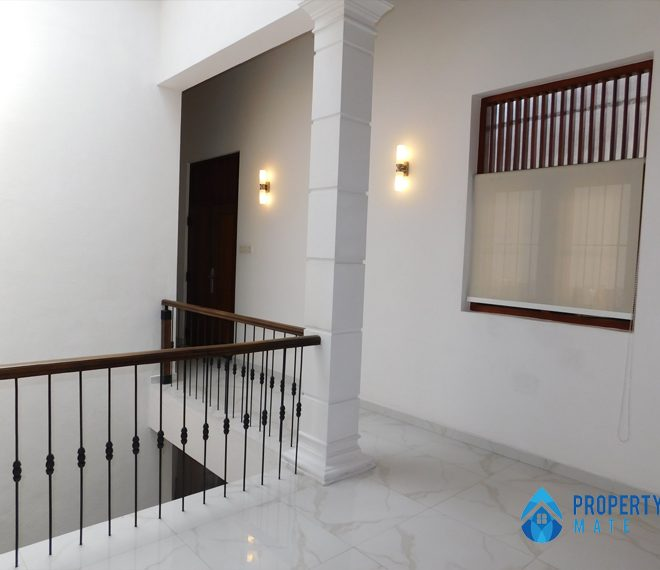 Luxury Penthouse for rent in Kotte 04