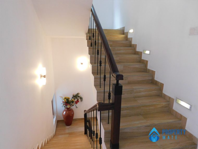 Luxury Penthouse for rent in Kotte 05