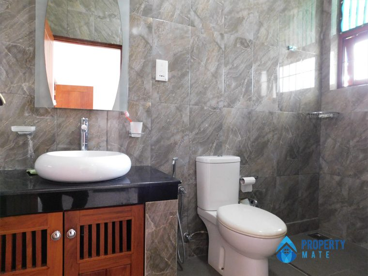 Luxury Penthouse for rent in Kotte 06