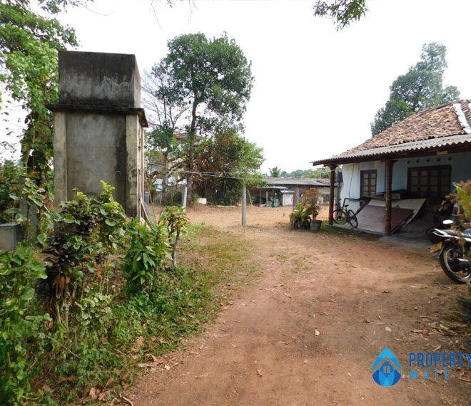 Paddy field facing Land for sale in Hokandara