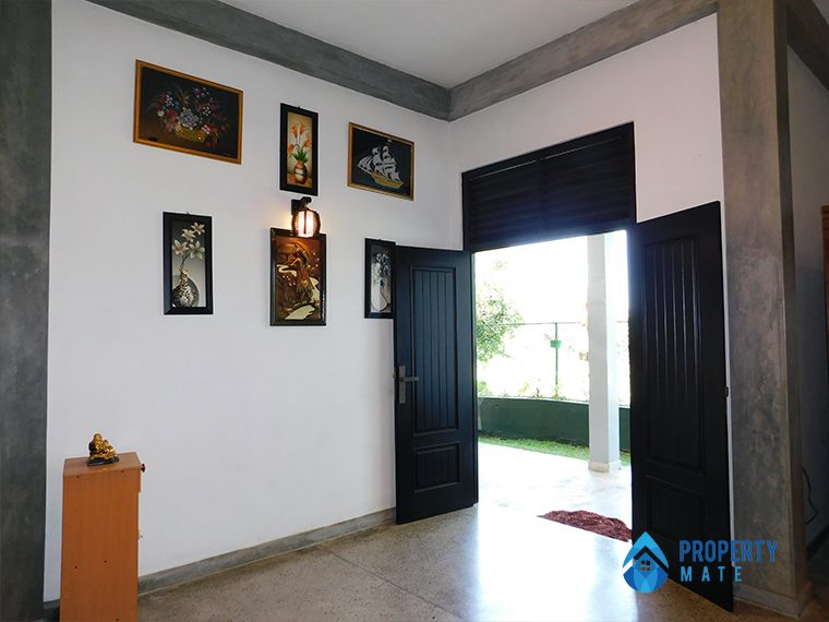 Three storey luxury modern house for sale in Pannipitiya 1