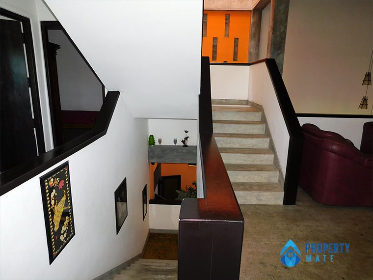 Three storey luxury modern house for sale in Pannipitiya 2
