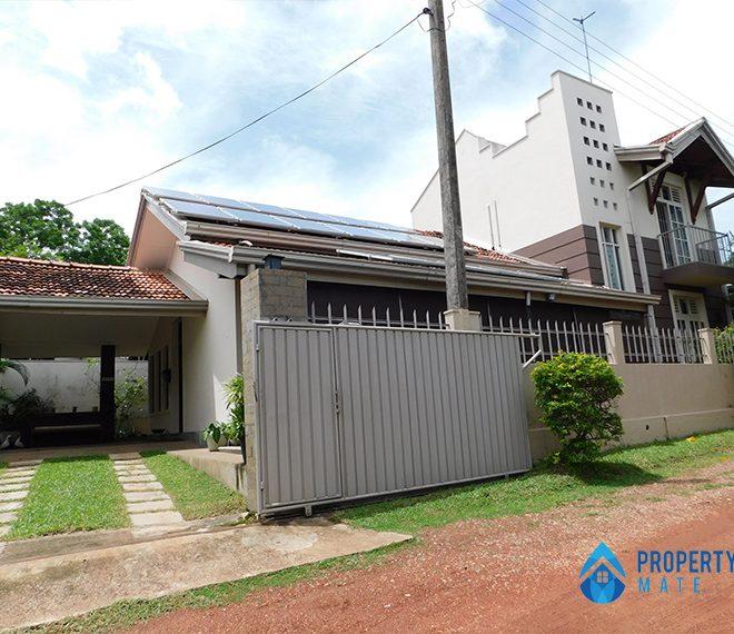 Two storey house for rent in Depanama Pannipitiya