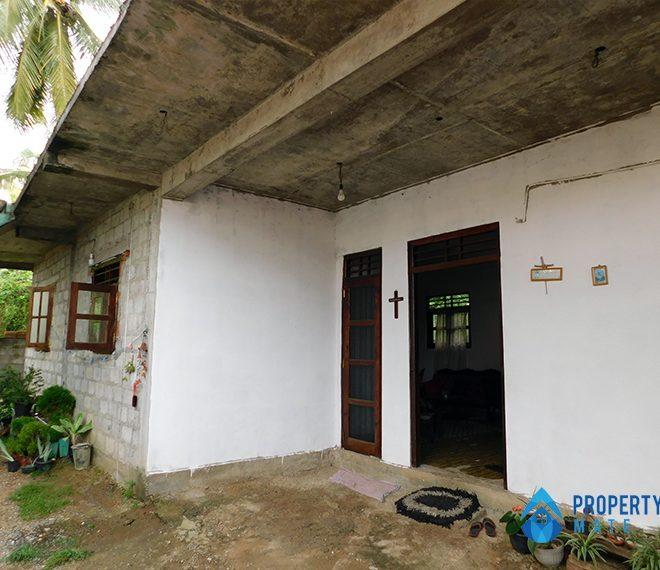 Two storey house for sale in Athurugiriya galwarusawa road 1