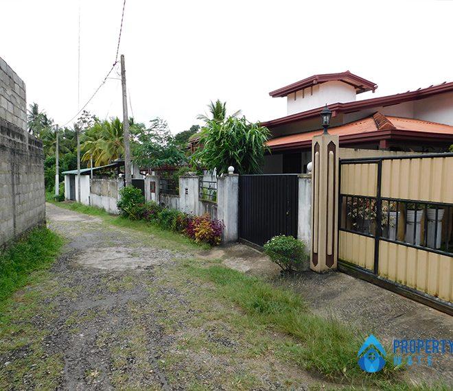 Two storey house for sale in Athurugiriya galwarusawa road 4