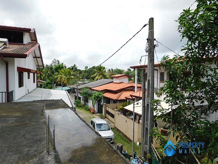 Two storey house for sale in Athurugiriya galwarusawa road 5