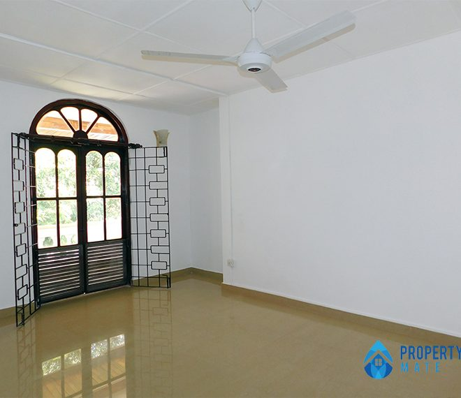 Upstair house for rent in Nugegoda 1