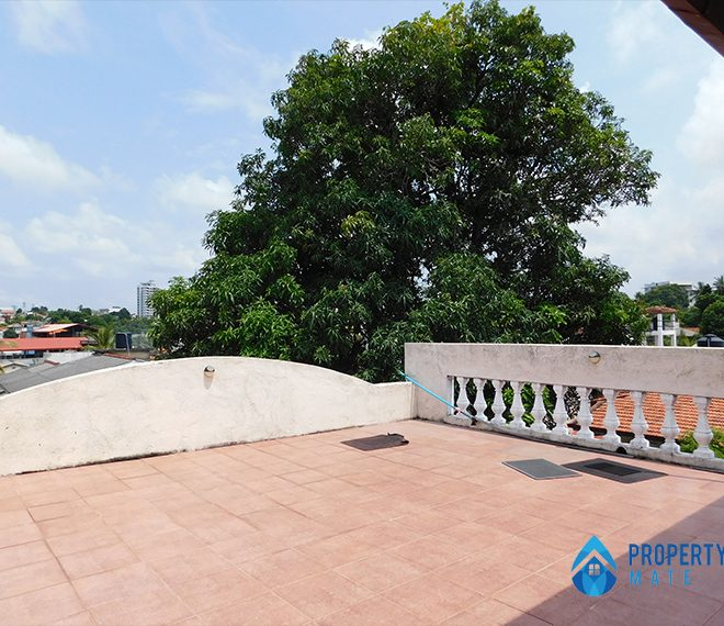 Upstair house for rent in Nugegoda 3