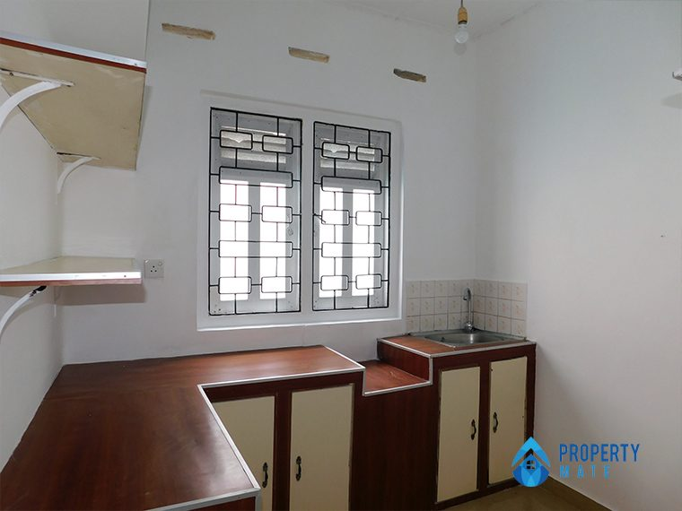 Upstair house for rent in Nugegoda 4