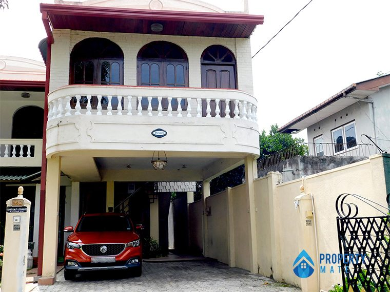 Upstair house for rent in Nugegoda