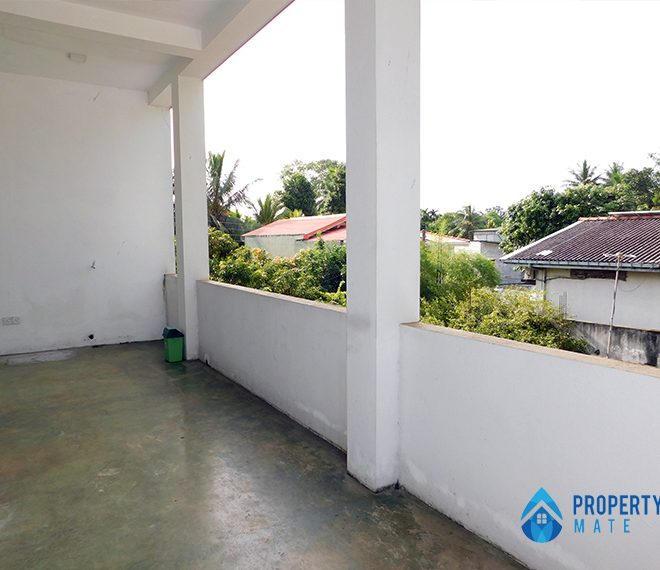 Upstairs for rent in Malabe Pothuarawa road 3