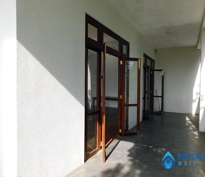 Upstairs for rent in Malabe Pothuarawa road 6