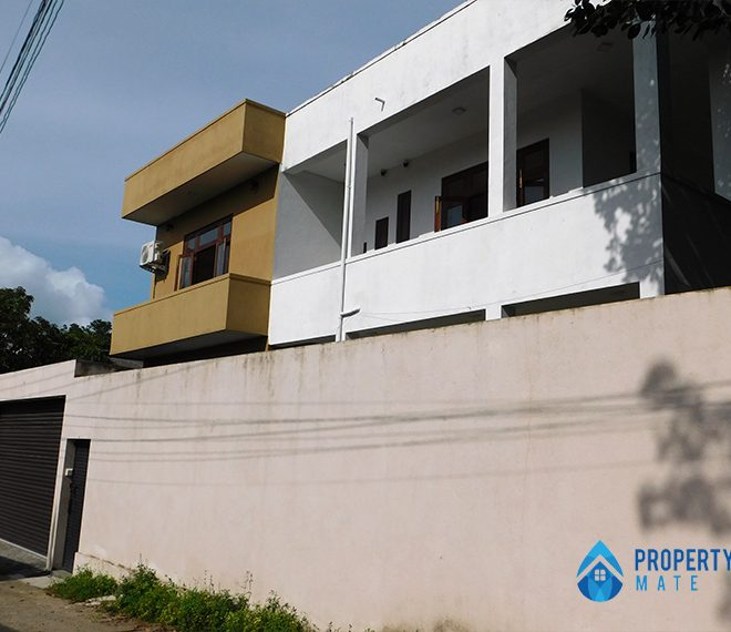 Upstairs for rent in Malabe Pothuarawa road