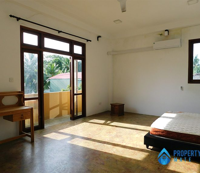 Upstairs for rent in Malabe Pothuarawa road 7