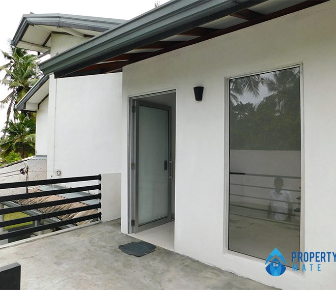 Upstairs for rent in Wattala 1