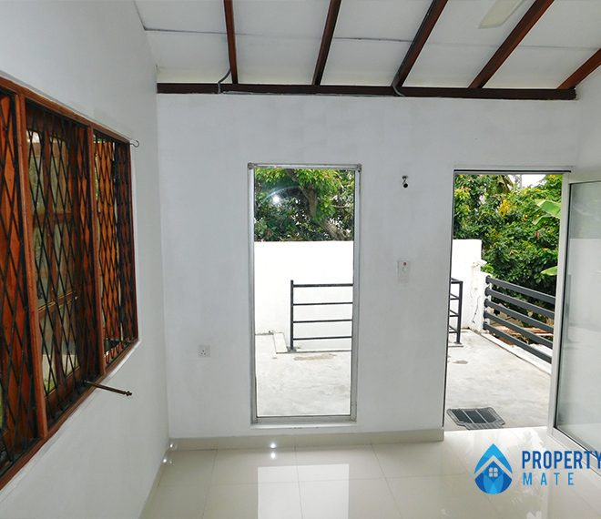 Upstairs for rent in Wattala 2