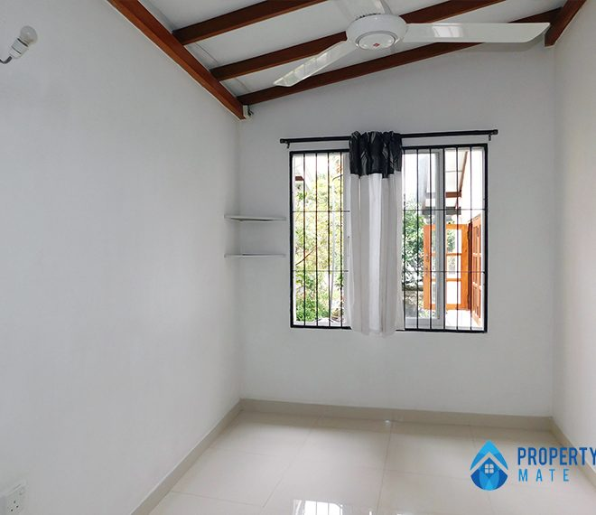 Upstairs for rent in Wattala 3
