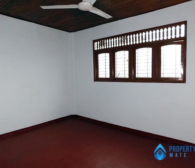Upstairs house for Rent in Panadura 3